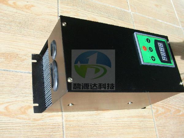 一、40KW电磁加热电气参数 1、 额定输入电压:AC380V (三相四线) 2、 工作电压范围:AC330V~AC420V 3、 工作频率:50HZ/60HZ 4、 谐振频率:12Khz30Khz 5、 额定功率:40 KW  5% 6、 额定工作电流:76 Amp 7、 功率输出控制:10档控制 8、 启动时间:小于5秒 二、40KW电磁加热环境要求 1、 温度:-20~45 2、 湿度:95% 3、 设备远离水蒸汽、油烟机、灰尘,不要堵塞设备的进出风口,以保证风冷效果,周围没有导电尘埃,爆